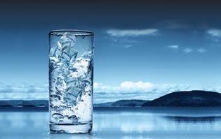http://svaneklink.dk/wp-content/uploads/2017/02/photo-glass-water.jpg